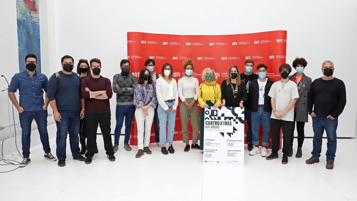 Foto de grupo de la presentación del proyecto