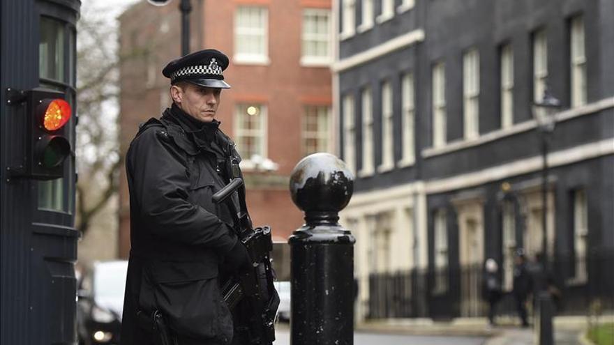 Cameron se reúne con jefes de seguridad para evaluar la amenaza terrorista