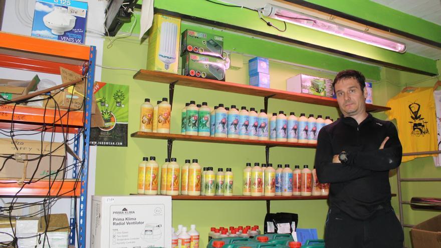 Pedro Narganes, propietario de THC´S Grow Shop. | BS