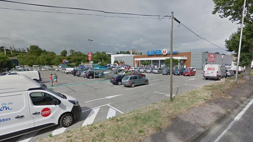 Supermercado Super U de Trèbes donde se ha producido el ataque.