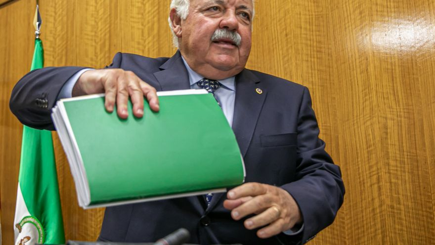 Aguirre dice que se han notificado al Centro Andaluz de Farmacovigilancia once casos de hipertricosis en Andalucía