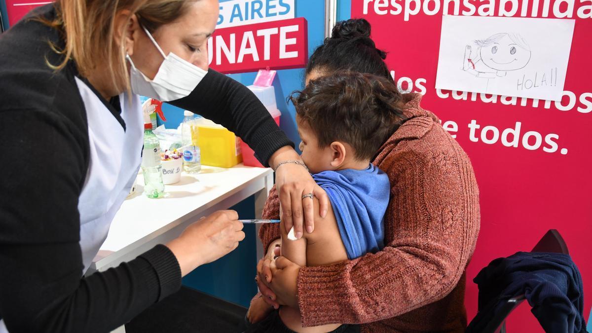 Arrancó la vacunación a menores de 12 años.