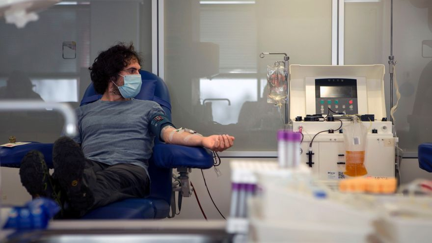 Grifols inicia ensayo para testar su inmunoglobulina en pacientes con covid