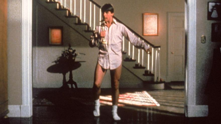 Tom Cruise bailando en una escena célebre de 'Risky Business'