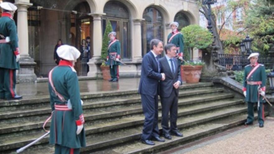 Zapatero Y López En Ajuria Enea
