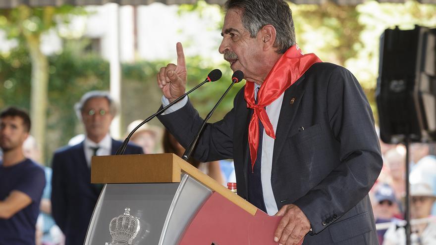 Miguel Ángel Revilla durante su discurso por el Día de Cantabria.