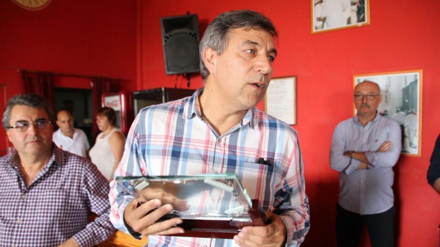 Antonio Fernández en el acto de reconocimiento que le han rendido sus compañeros. Foto: JOSÉ AYUT.
