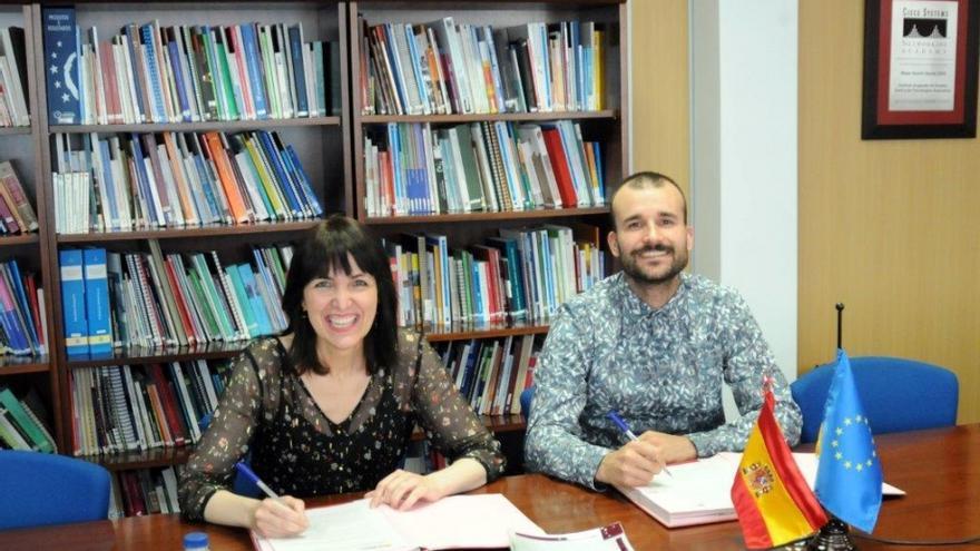 Firma del convenio entre el INAEM y la Asociación de Jóvenes Empresarios