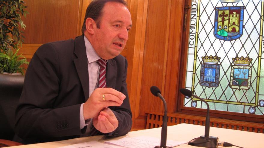"""El presidente de La Rioja """"no va a pedir rescate"""" y critica que Cataluña """"enmascara"""" la petición"""