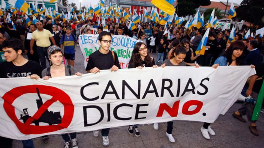 Protestas en Las Palmas de Gran Canaria contra los sondeos de Repsol.