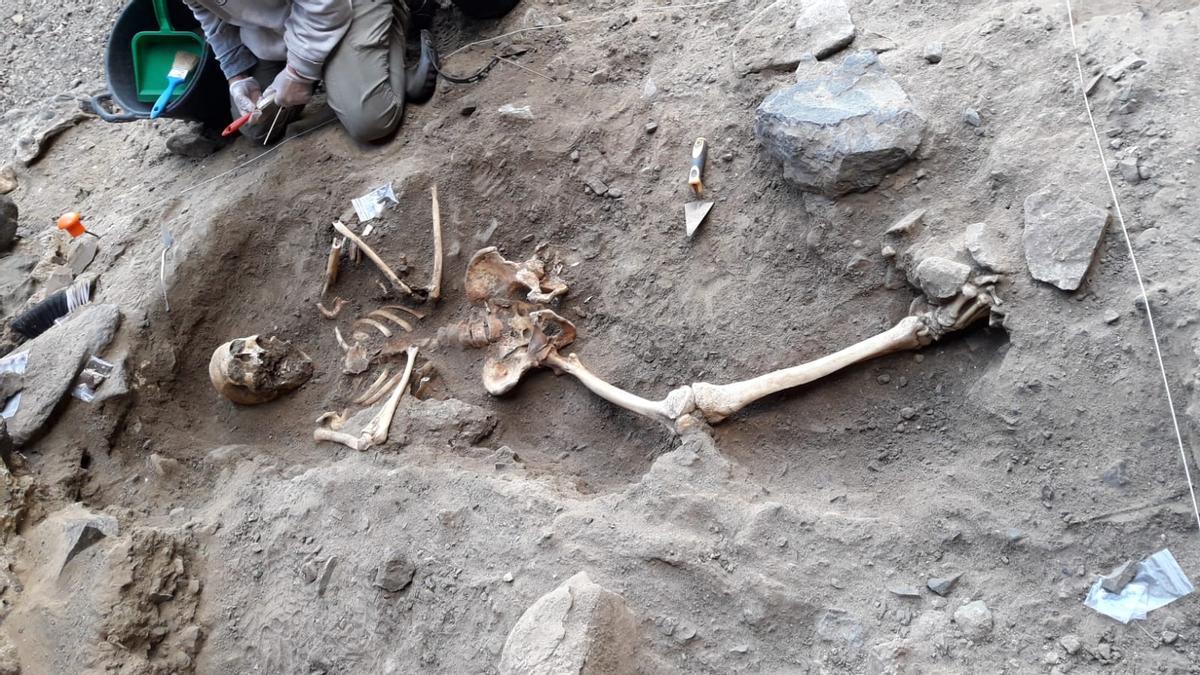 Restos óseos hallados en la cueva de Betancuria, Fuerteventura