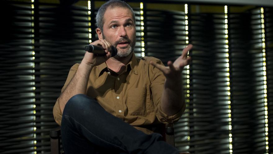 Xavier Aldekoa durante la presentación de 'Africa adentro' en Madrid.