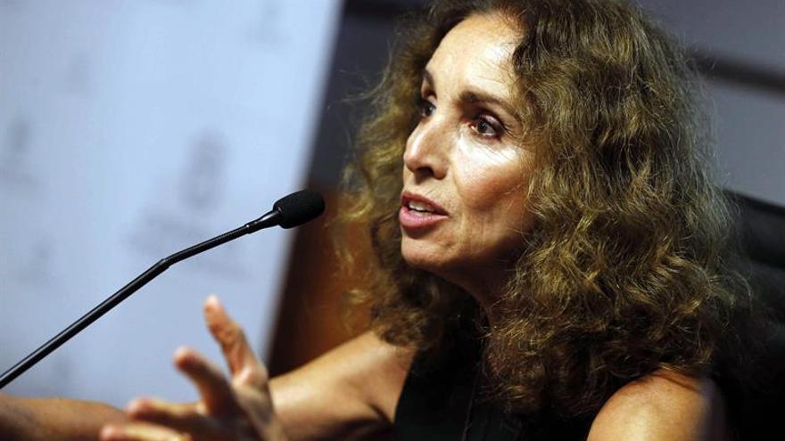 La actriz y cantante Ana Belén intervino en Las Palmas de Gran Canaria en la apertura del undécimo Congreso Internacional Galdosiano. EFE/Elvira Urquijo A.