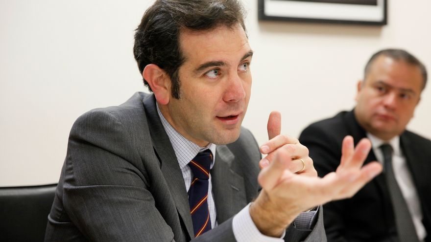 México abrirá unas 57.000 mesas en la consulta para juzgar a expresidentes