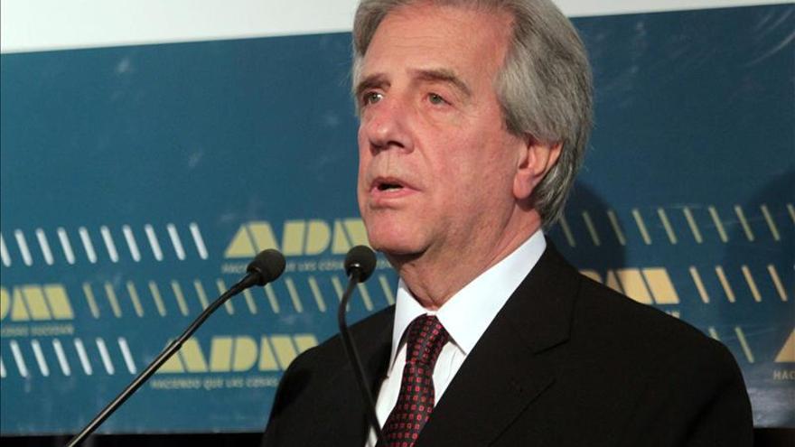 Avalan las precandidaturas del expresidente Vázquez y la senadora Moreira en Uruguay
