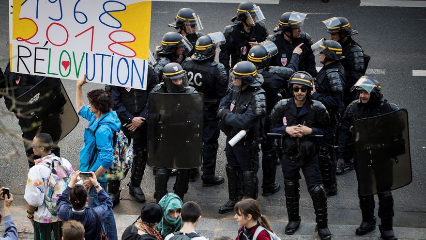 Una pancarta compara el Mayo de 68 con las protestas actuales en la facultad parisina de Tolbiac el 20 de abril.