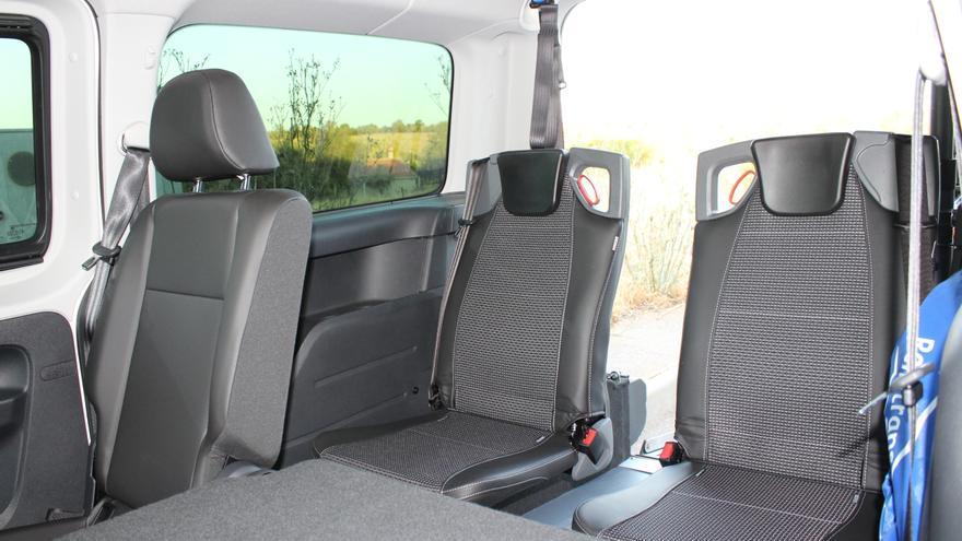 Interior del taxi / GDR Montes de Toledo
