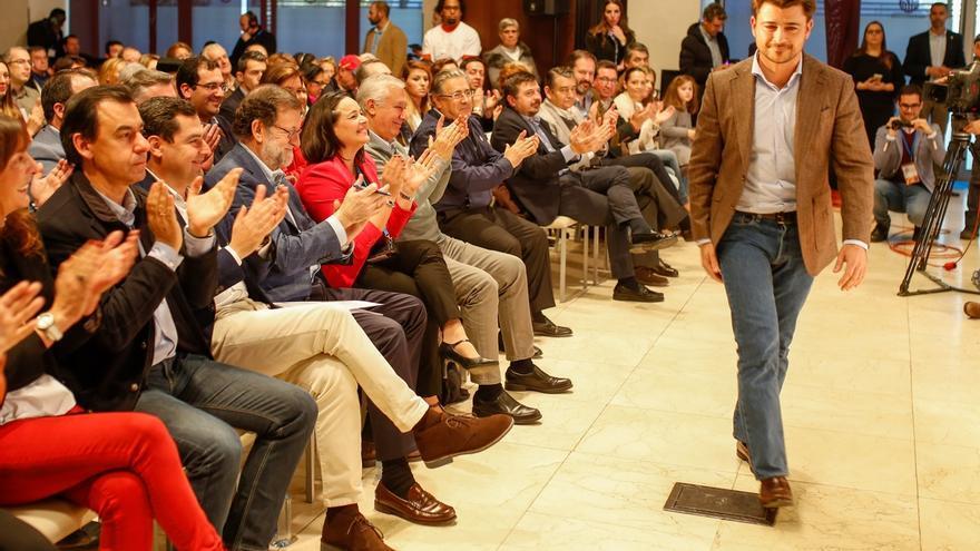 """Beltrán Pérez dice a Rajoy que el PP """"le dará la alegría"""" de recuperar la Alcaldía de Sevilla en 2019"""
