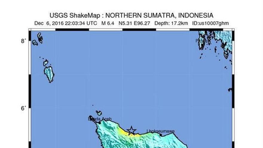 Suben a 25 los muertos en el terremoto de 6,5 grados en Indonesia