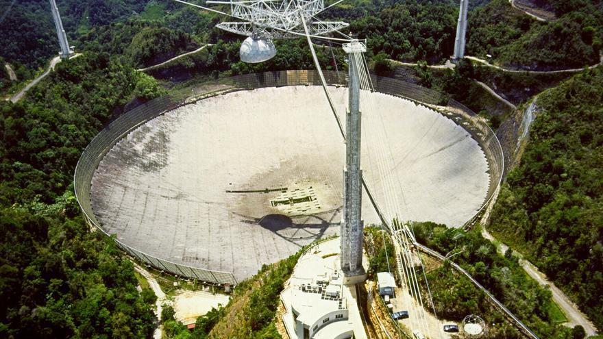 Puerto Rico pierde el radiotelescopio de Arecibo, centro científico mundial