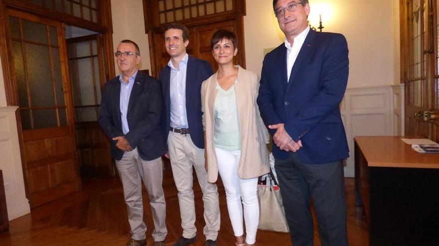 """Los cuatro principales partidos, abiertos a reformas en la Constitución pero el PP no a """"abrirla en canal"""""""