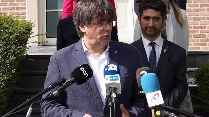 El líder de Junts, Carles Puigdemont, y el vicepresidente de la Generalitat, Jordi Puigneró