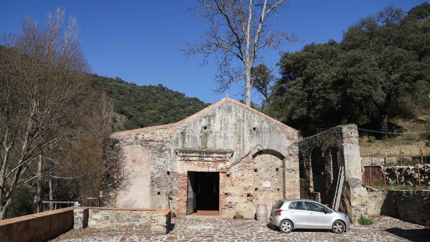 Fachada de la Antigua Real Fábrica de Hojalata.