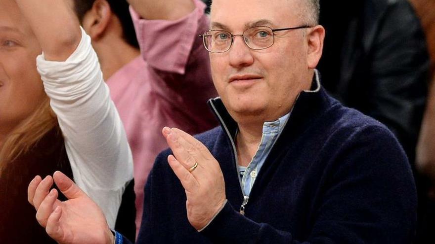 """El multimillonario Steve Cohen compró el """"Rabbit"""" de Koons que rompió récords"""