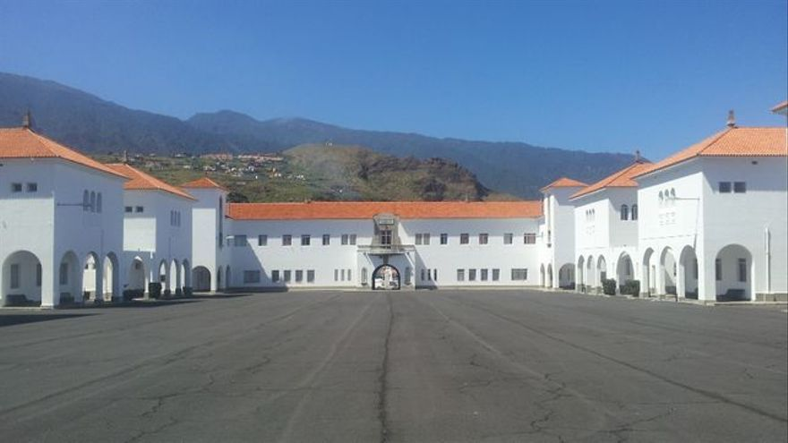 Acuartelamiento El Fuerte de Breña Baja.