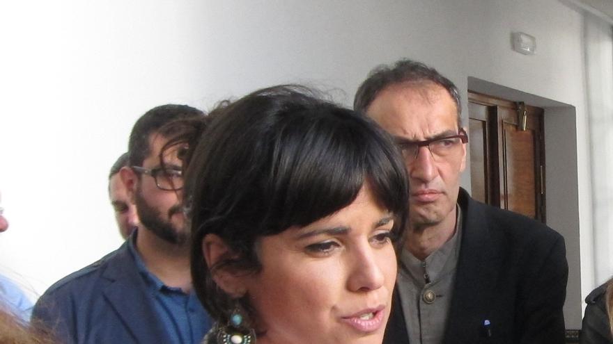 """Teresa Rodríguez (Podemos) ve a Sánchez """"presa del movimiento de sillas de sus barones"""" y dice que le da pena"""