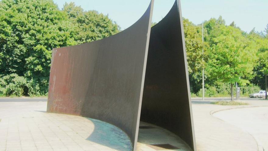 Monumento realizado por Richard Serra en Berlín, en honor a las víctimas del programa Aktion 4.