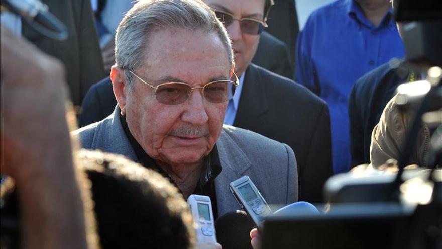 Pinochetistas presentan una querella contra el presidente de Cuba, Raúl Castro