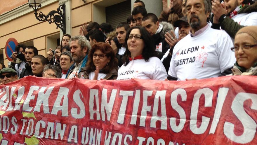 Integrantes de la Plataforma por la Libertad de Alfon y de las Madres contra la Represión. En primera fila, Lola Onieva