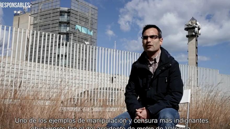 Jordi Cabezas, extrabajador de Ràdio 9, es uno de los testimonios que aparecen en el vídeo