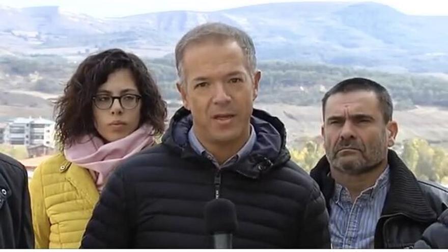 El portavoz del PSOE en el Senado, Ander Gil, en Medina de Pomar (Burgos)