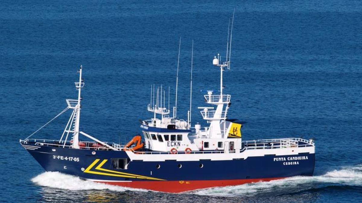 Imagen del barco 'Punta Candieira'