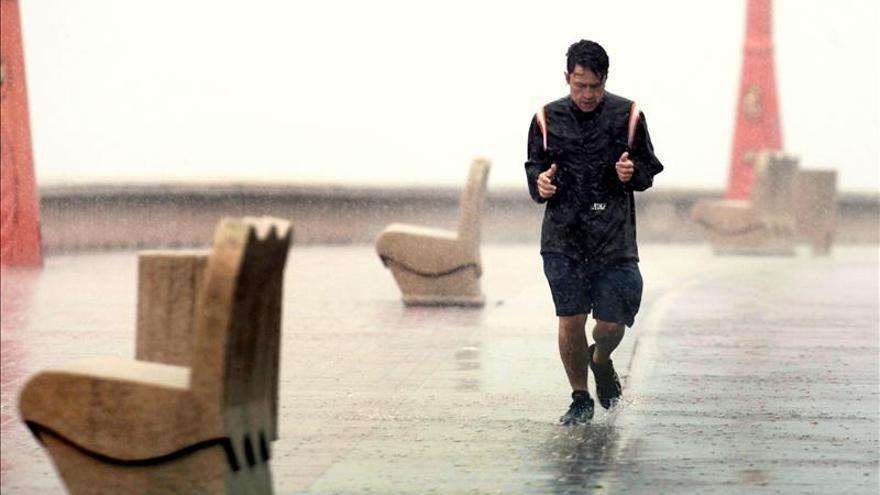 Diecisiete provincias en alerta por lluvias, viento o tormentas