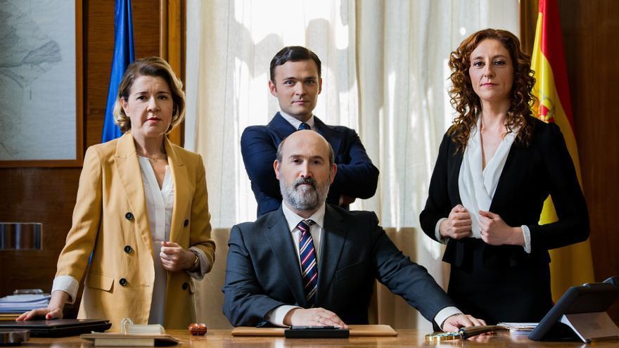 Vota Juan: Javier Cámara, rodeado de su equipo de campaña