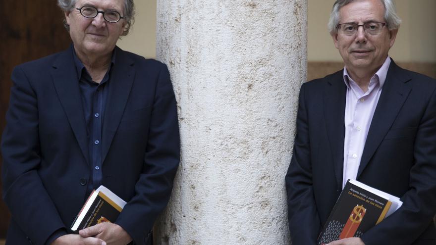 Joan Romero y Antonio Ariño, autores de 'La secesión de los ricos'