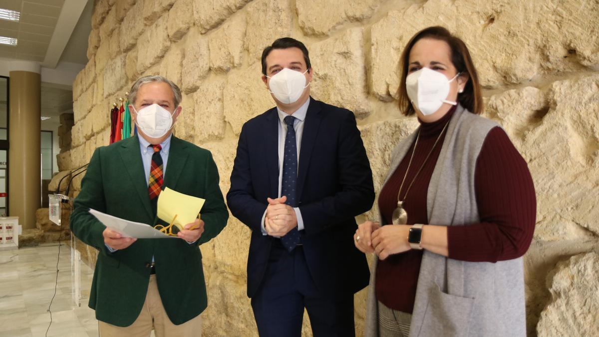 Salvador Fuentes, José María Bellido y Blanca Torrent presentan el Plan Reactiva