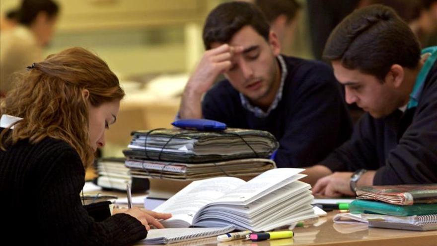 Rousseff anuncia nuevas becas para estudios de posgrado en el exterior