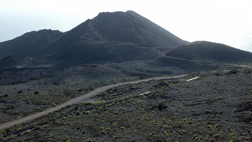 El volcán Teneguía, la erupción aérea más reciente de Canarias..