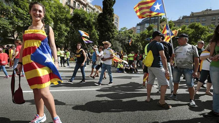 Miles de personas se suman a la marcha independentista en el centro de Barcelona