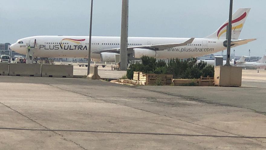 El avión que ha aterrizado este sábado en Manises procedente de China
