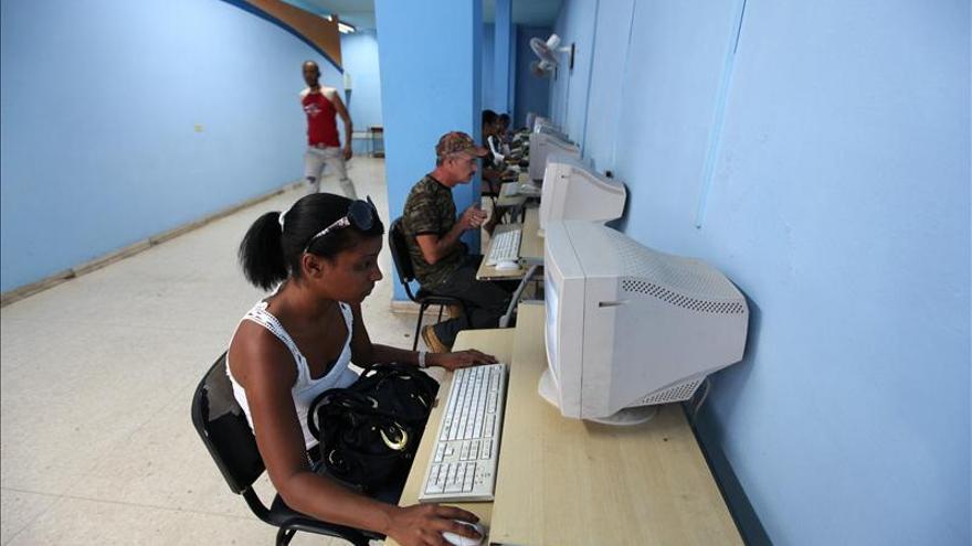 Imagen de archivo: Estreno en Cuba de un nuevo servicio de Internet. / Fotografía: Efe