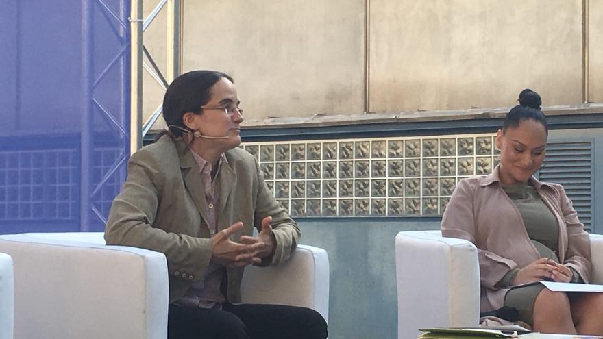 Lorena Zárate en el acto Ciudades valientes, Barcelona referente