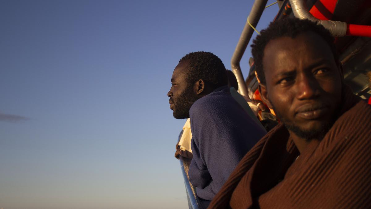 Personas refugiadas rescatadas por el Aita Mari.