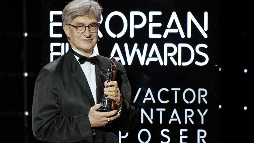 Wim Wenders dirige el primer documental protagonizado por el papa Francisco