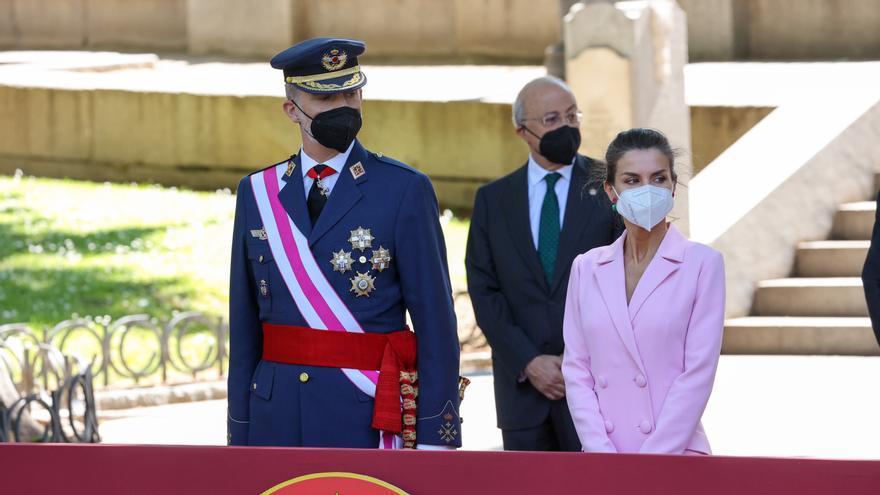 """El Rey Felipe y la Reina Letizia durante el acto central del """"Día de las Fuerzas Armadas 2021"""""""