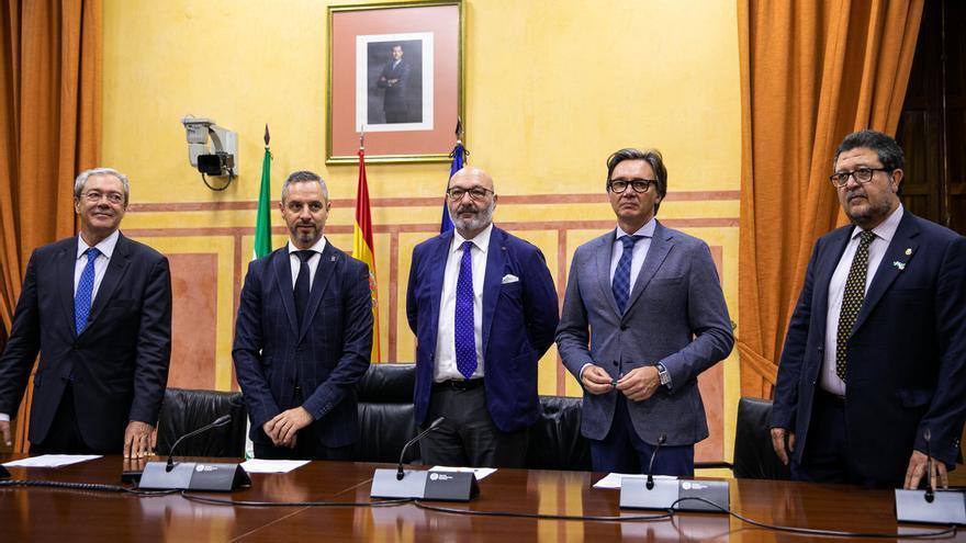 """PP-A, Cs y Vox suscriben su primer acuerdo conjunto para dar """"estabilidad"""" al Gobierno andaluz"""